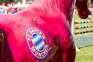 """""""Es müllert"""" Wallach mit Unterschriften und Logo"""